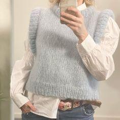 "Strikk din mote💕 on Instagram: ""Garn i fargen Støvet blå på lager💙 Knitteriet.no"" Jumpers, Pullover, Boutique, Sweaters, Handmade, Fashion, Sweater Vests, Moda, Hand Made"