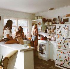 Inspiração - Ideia de fotos com amigas Photos Bff, Friend Pictures, Roommate Pictures, Best Friend Goals, Best Friends, Friends Girls, Bff Girls, Girls Time, Fille Gangsta