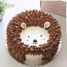 Woodlands Dessert Ideas: Fox Cookies, Bear Cakes and More!- Woodlands Dessert Ideas: Fox Cookies, Bear Cakes and More! Woodlands Dessert Ideas: Fox Cookies, Bear Cakes and… - Pretty Cakes, Cute Cakes, Hedgehog Cake, Hedgehog Animal, Hedgehog Birthday, Baby Hedgehog, Elephant Birthday, Fox Cookies, Fancy Cakes