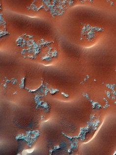 Dune formation, Nili Patera, Mars. Image via HiRSE