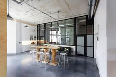 Inside Miło's Minimalist Warsaw Office - Officelovin