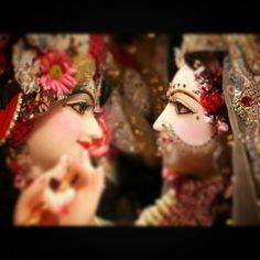 💕 It is said that nobody can be a better devotee then RadhaRani. As soon as Bhagwan Krishna hears Radha Mata name he is more pleased. When we glorify the devotee before Bhagwan, He is more pleased to glorify the devotee than himself. Radha Rani, Indian Gods, Hinduism, Krishna, Instagram Posts, Beauty, Beauty Illustration