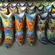 Talavera ceramic boots by La Tienda Store Mexican Home Decor, Talavera Pottery, Mccoy Pottery, Polish Pottery, Rubber Rain Boots, Tile, Ceramics, Garden, Ceramica