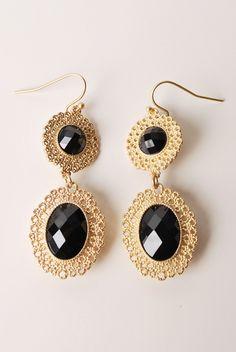 black tear drop earrings.