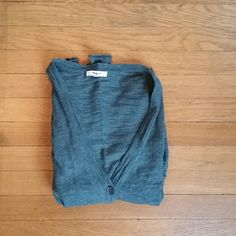 Madewell V-Neck Cardigan (Heathered Evergreen) Heathered evergreen colored cardigan from Madewell. Really comfy, worn a handful of times. Super soft and good for layering. Two front pockets and front buttons.  Size small, TTS. Madewell Sweaters Cardigans
