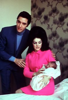On February 1, 1968, Elvis and Priscilla announce the birth of their daugther, Lisa Marie Presley.