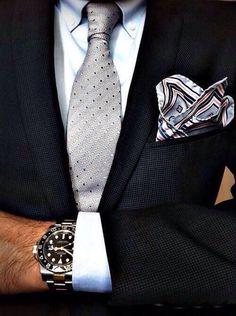 Костюм - основа всего. Купил пару костюмов, докупил аксессуары (галстуки, платки, часы, запонки и т.д.) и вот уже появляется множество вариантов сочетаний.  WhatsApp 8(924)6710354 #revento #fashiononline #ревенто #костюмназаказ #пиджакназаказ #рубашканазаказ #сшитьпиджак #сшитькостюм