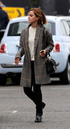 Emma Watson looks impossibly chic in a smart tweed coat and skinny jeans in London | Daily Mail Online
