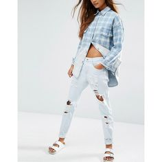 Honey Punch Distressed Boyfriends Jeans (34.595 CRC) ❤ liked on Polyvore featuring jeans, blue, distressing jeans, destructed jeans, torn jeans, boyfriend jeans and destroyed boyfriend jeans