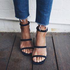 12K vind-ik-leuks, 136 reacties - Petra (@pepamack) op Instagram: 'Robbie shoes by @senso in blue suede #goodmorning'