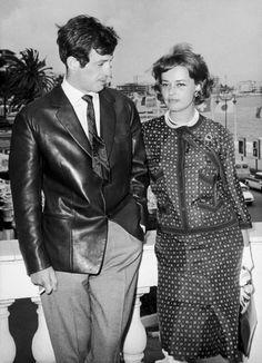 Jeanne Moreau and Jean-Paul Belmondo Jeanne Moreau, Alain Delon, Brigitte Bardot, Carlton Cannes, Cinema Movies, Claudia Schiffer, Film Director, Cannes Film Festival, Retro