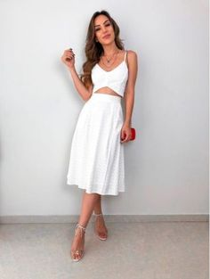Minimalist Shoes, Minimalist Dresses, Cute Floral Dresses, Sleek Look, How To Make Hair, Classy Women, Business Fashion, Trendy Outfits, Dress Outfits