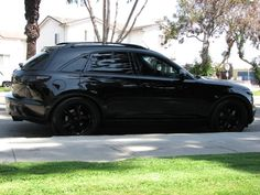 love the blacked out Infiniti fx35.