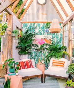 Let's hang in the shed  #justinablakeneyhome #jungalowstyle