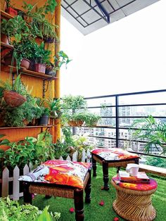 Make your outdoor space the best version it can be. Interior stylist Shraddha Bhatnagar shows you just how! Apartment Balcony Garden, Small Balcony Garden, Small Balcony Decor, Apartment Balcony Decorating, Outdoor Balcony, Balcony Design, Terrace Garden, Garden Spaces, Outdoor Decor