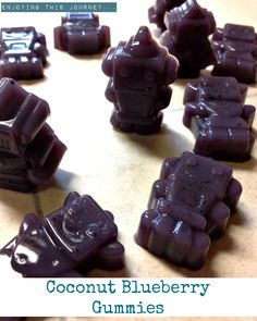 These Coconut Blueberry Gummies are a great way to use up leftover coconut milk AND get some of that glorious healing gelatin in your kids. Gelatin Recipes, Candy Recipes, Real Food Recipes, Snack Recipes, Fruit Snacks, Healthy Snacks, Keto Snacks, Healthy Candy, Keto Candy