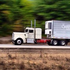 Kenworth classic W900A with matching reefer