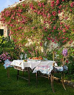 Country Style Chic: Afternoon Tea at the Cottage