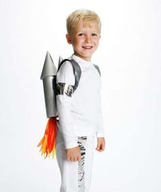 Last Minute DIY Halloween Costumes - Quick Ideas for Adults, Kids and Teens - Rocket Man Costume Tutorial