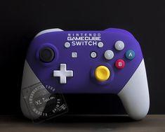 Custom Gamecube Themed Nintendo Switch Pro Controller Kirby Nintendo, Nintendo 2ds, Super Nintendo, Playstation, Xbox 360, Nintendo Switch Accessories, Gaming Accessories, Ocarina Of Times, Gamecube Controller