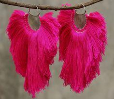 Rose foncé tricot boucles de fil de coton et de conception en spirale argent oxydé avec crochets en argent sterling