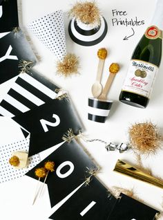 Free Printable New Year's Party Decor via @PagingSupermom