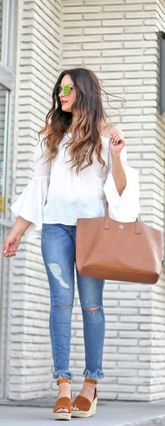 casual style perfection_blouse + brown bag + rips + sandals