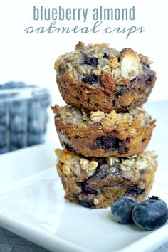 Oatmeal Cups Blueberry Almond Oatmeal Cups Recipe The Best Homemade Healthy Easy Breakfast or snack recipe Perfect makeahead freezer recipe for kids or onthego Frugal Meals, Freezer Meals, Kids Meals, Freezer Recipes, Gourmet Recipes, Snack Recipes, Dessert Recipes, Healthy Recipes, Desserts