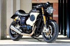 This is one of the most controversial Triumph Thruxton customs of recent years. Built by Italian specialist Mr Martini, it features a huge engine shroud.