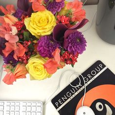 Desk delivery on a Monday. #flowers