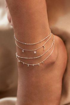 Rue Gembon Arielle Silber Fußkette Source by nila_harasaki bracelets Stylish Jewelry, Simple Jewelry, Cute Jewelry, Vintage Jewelry, Women Jewelry, Fashion Jewelry, Stylish Clothes, Silver Jewelry, Silver Rings