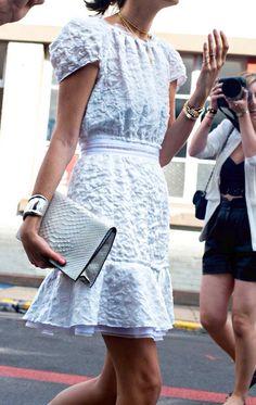 white dress//