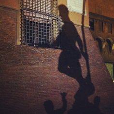 L'ombra del Nettuno, Bologna - Instagram by turismoer