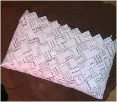 - ReCyklisten: Dansetasker  Flettet taske af stepsheets papir  Candywrapperpurse Sheet Music, About Me Blog, Candy, Diy, Bags, Inspiration, Handbags, Biblical Inspiration, Bricolage