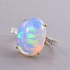 ILIANA 18K Y Gold AAAA Ethiopian Welo Opal (Ovl 8.25 Ct), Diamond (SI/G-H) Ring 8.650 Ct.