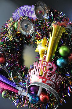 creative sparks: Happy And New Year Resolutions for - Happy New Year 2019 Holiday Wreaths, Holiday Crafts, Holiday Fun, Holiday Ideas, Christmas Ideas, New Years Eve Day, New Years Party, Christmas And New Year, Winter Christmas