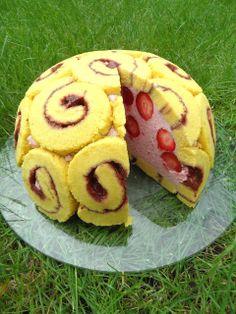 Lubię ten smak: Truskawkowy Tort Charlotte