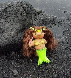 Hoku Kai, the Mermaid offers wisdom and insights.