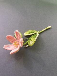 Crocheted Flowers, Easy Crochet, Crochet Patterns, Rose, Floral, Beautiful, Tunisian Crochet, Crochet Flowers, Crochet Carpet