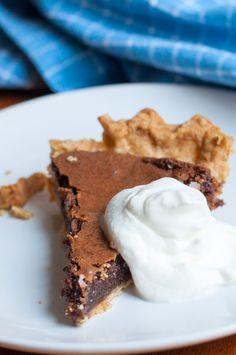 Chocolate Chess Pie ist ein Dessert-Klassiker aus den Südstaaten | Rezept von Backeifer.de