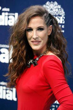 Malú Malu, Pop Rock, Curly Hair Styles, Celebrities, Singers, Hairstyles, Google, Women, Fashion