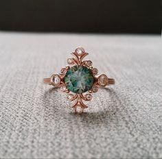 Moissanite Teal diamant bague de fiançailles Bohème victorien Antique Art Nouveau Art déco bleu fleur verte 14K Rose Gold « Le rebelle »