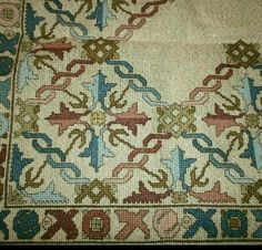 This Pin was discovered by Neş Beaded Embroidery, Cross Stitch Embroidery, Embroidery Patterns, Hand Embroidery, Palestinian Embroidery, Hungarian Embroidery, Cross Stitch Designs, Cross Stitch Patterns, Cross Stitch Freebies