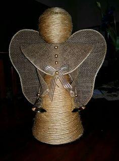 Christmas Balls, Christmas Angels, Christmas Crafts, Christmas Ornaments, Diy Clothes, Wicker, Burlap, Projects To Try, Diy Crafts