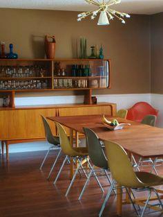 Danish Modern dining set. Very pretty.