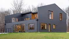 A Country House for a Family of Six - The New York Times