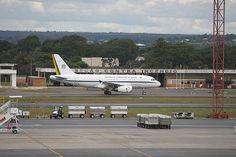 BRASILIA, DF, BRASIL 27-01-2012, 19h00: Aviao da FAB decolando no aeroporto Internacional Jucelino Kubitschek em Brasilia. (Foto: Sergio Lima/Folhapress PODER) **ESPECIAL***