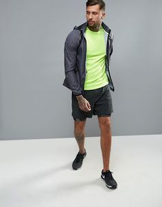 Discover Fashion Online Sport Man, Athletic Wear, Fashion Online, Menswear, Sporty, Gym, Mens Fashion, Running, Fitness