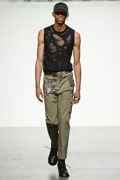 KTZ London Fashion Week Men's Spring Summer 2018 - Sagaboi - Look 5