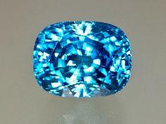 Crystals And Gemstones, Loose Gemstones, Gems Jewelry, Jewellery, Emerald Gem, Gem Diamonds, Rock Collection, Blue Zircon, Gem Stones